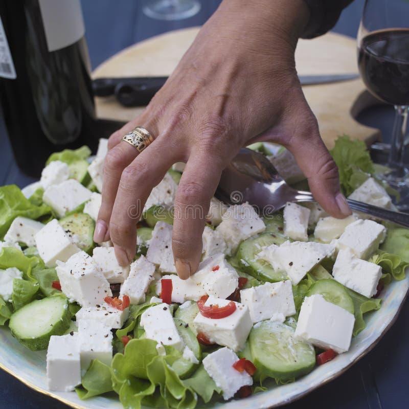 Nourriture de saisie de main images libres de droits