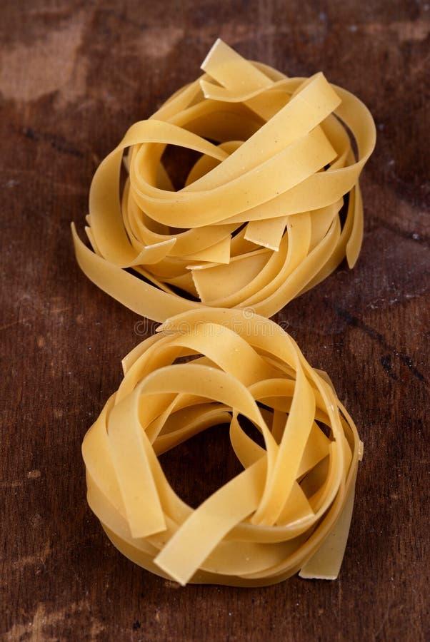 Nourriture - emboîtements de Fettucine images stock