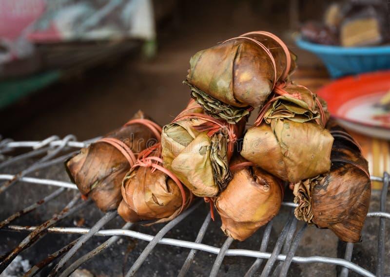 Nourriture enveloppée par feuille de banane de style du Laos photo libre de droits