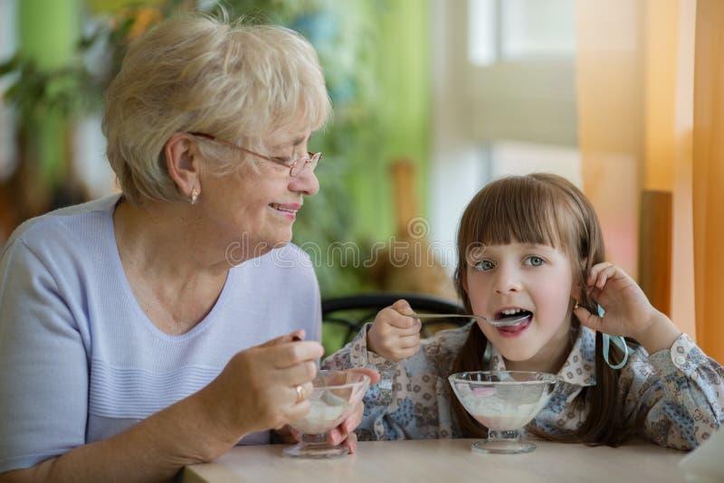 Nourriture et concept de boissons Concept de la famille photos stock