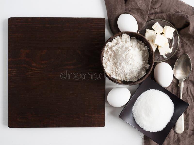 Nourriture faite maison Ingrédients pour la pâte image libre de droits