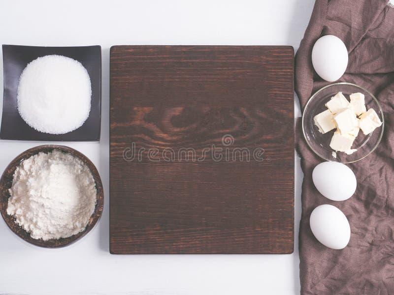 Nourriture faite maison Ingrédients pour la pâte images stock