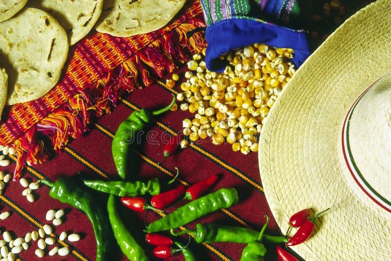 Nourriture guatémaltèque et mexicaine sur la table photographie stock