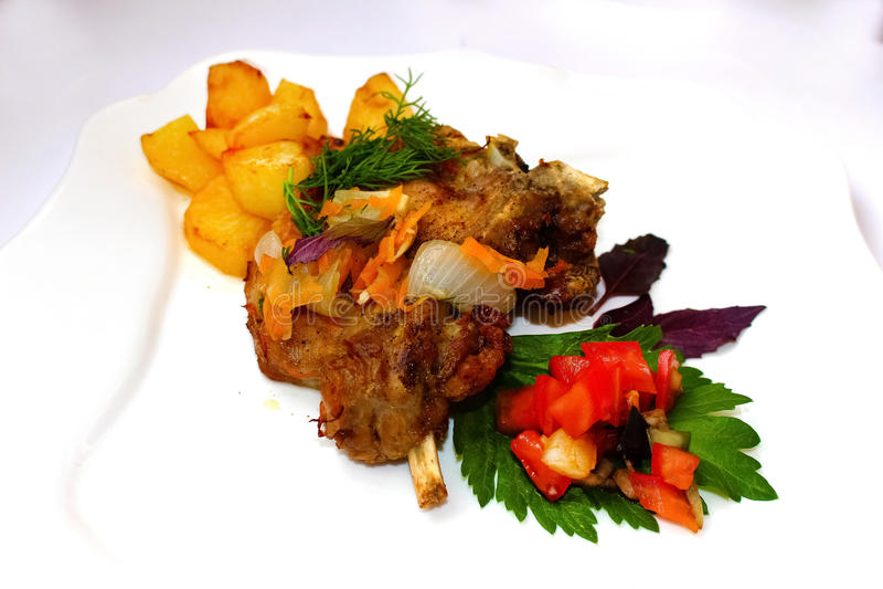 Download Nourriture italienne image stock. Image du italien, oignon - 76082883