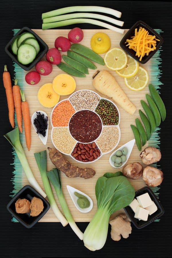 Nourriture macrobiotique fraîche et sèche photo stock