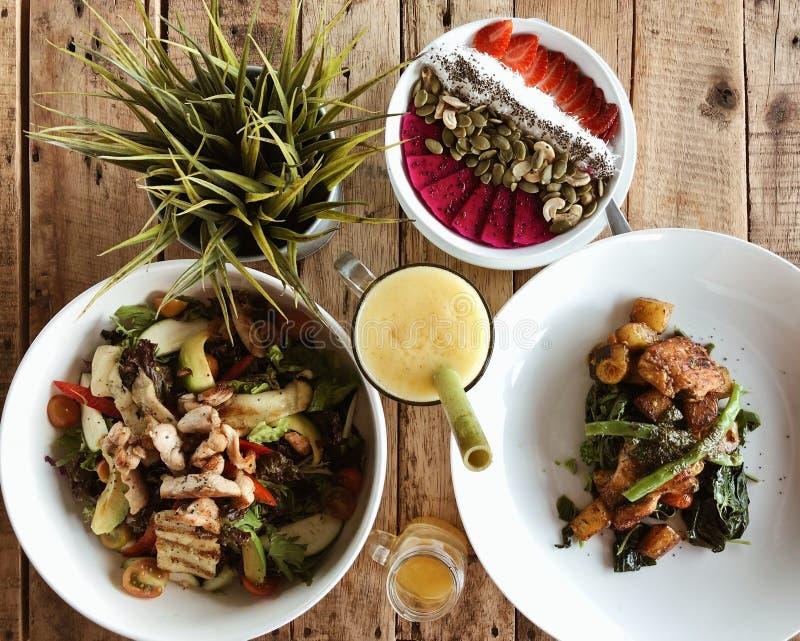 Nourriture plate de configuration images stock