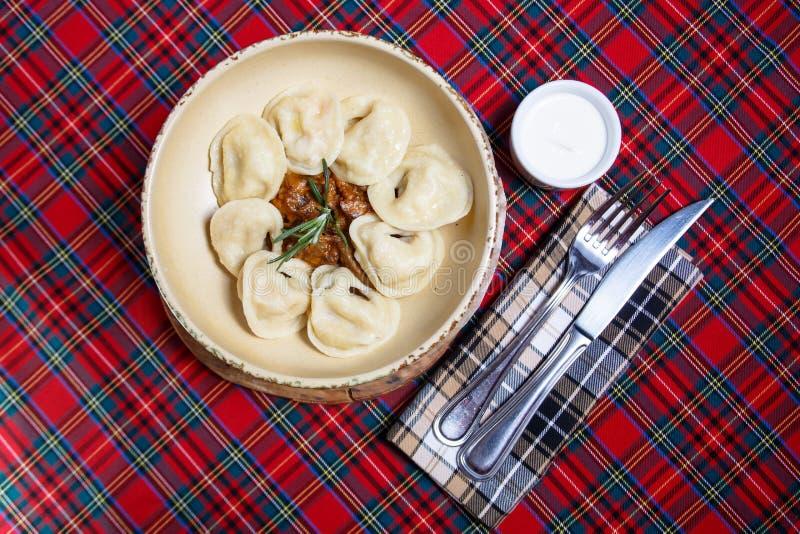 Nourriture russe - et x22 ; dumplings& x22 ; photos stock