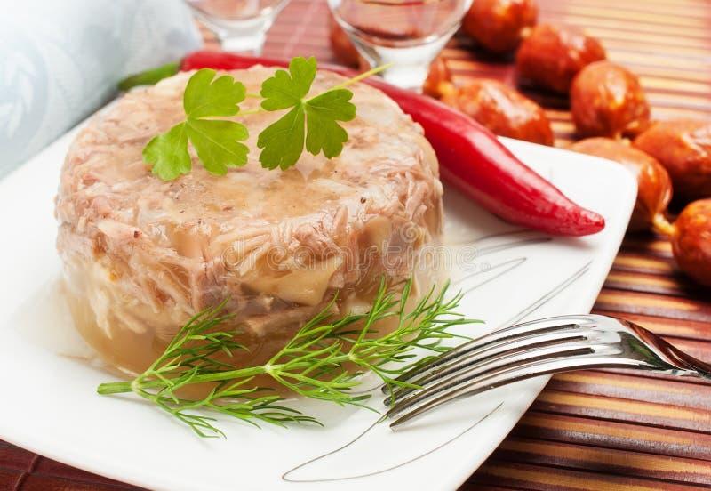 Nourriture russe traditionnelle. Gelée de viande d'aspic photos libres de droits