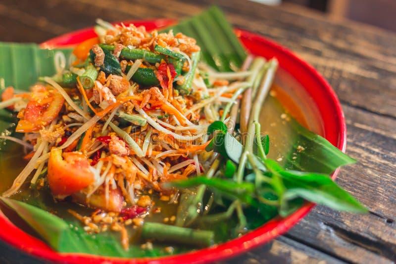 Nourriture saine chaude et épicée de papaye de salade de recette de som de régime thaïlandais de Tam image stock