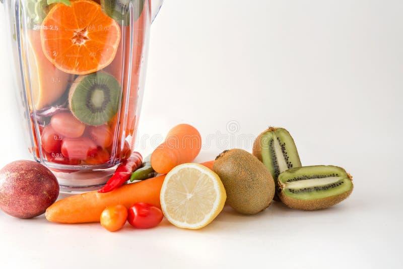 Nourriture saine colorée de produit de salade de légumes frais pour le régime c image libre de droits