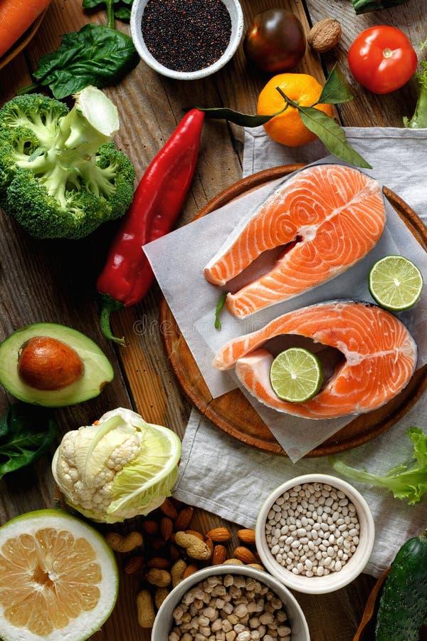 Nourriture saine de vue sup?rieure faisant cuire la nourriture saine de nourriture d'alimentation saine images stock