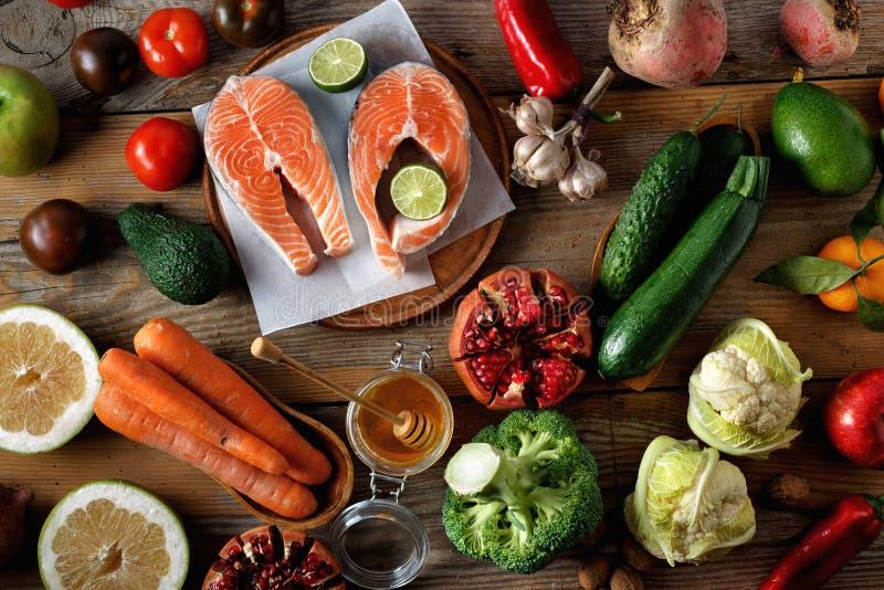 Nourriture saine de vue sup?rieure faisant cuire la nourriture saine de nourriture d'alimentation saine photos stock