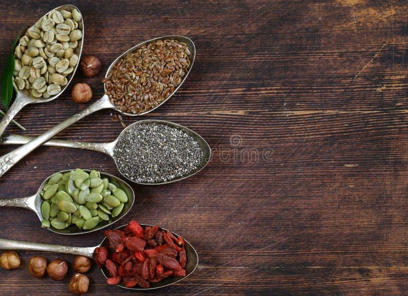 Nourriture superbe d'ingrédients sains de consommation images stock