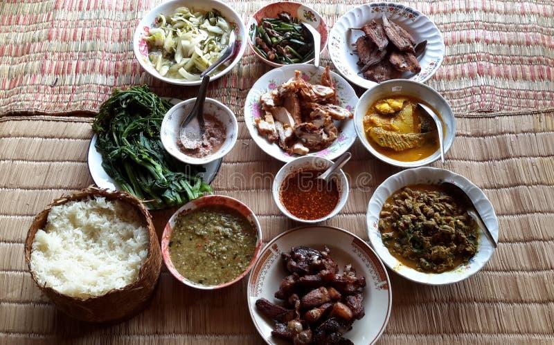Nourriture thaïlandaise traditionnelle d'Esarn images libres de droits