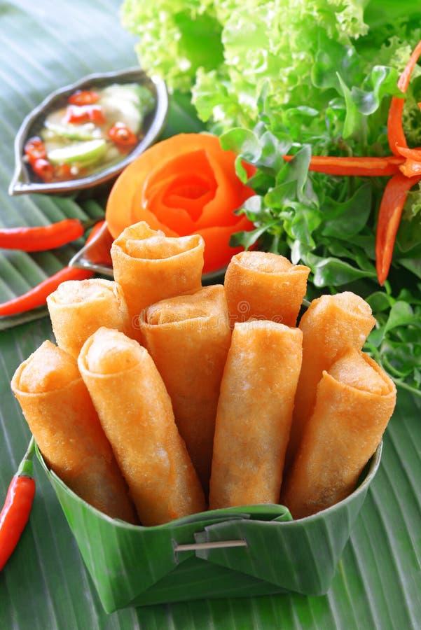 Nourriture traditionnelle chinoise croustillante de roulis de source image stock