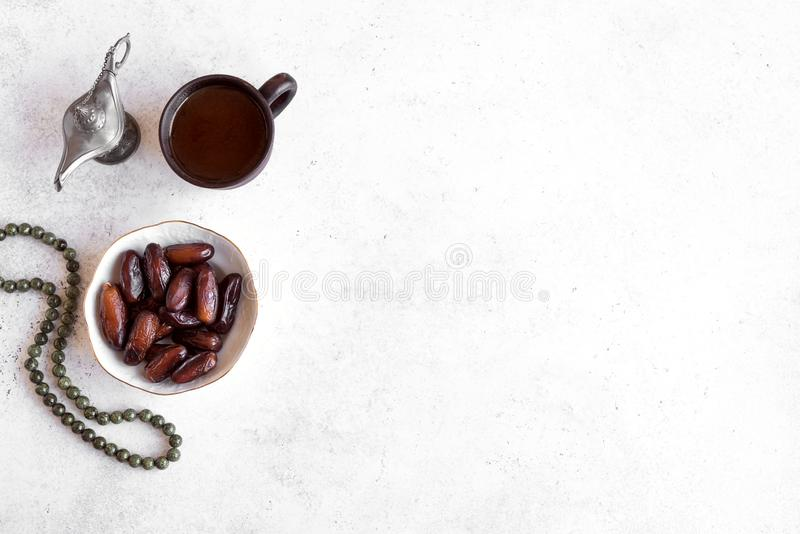 Nourriture traditionnelle d'Iftar images stock