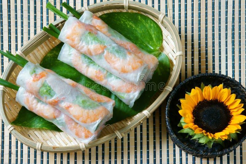Nourriture vietnamienne, cuon de goi, petit pain de salade photo libre de droits