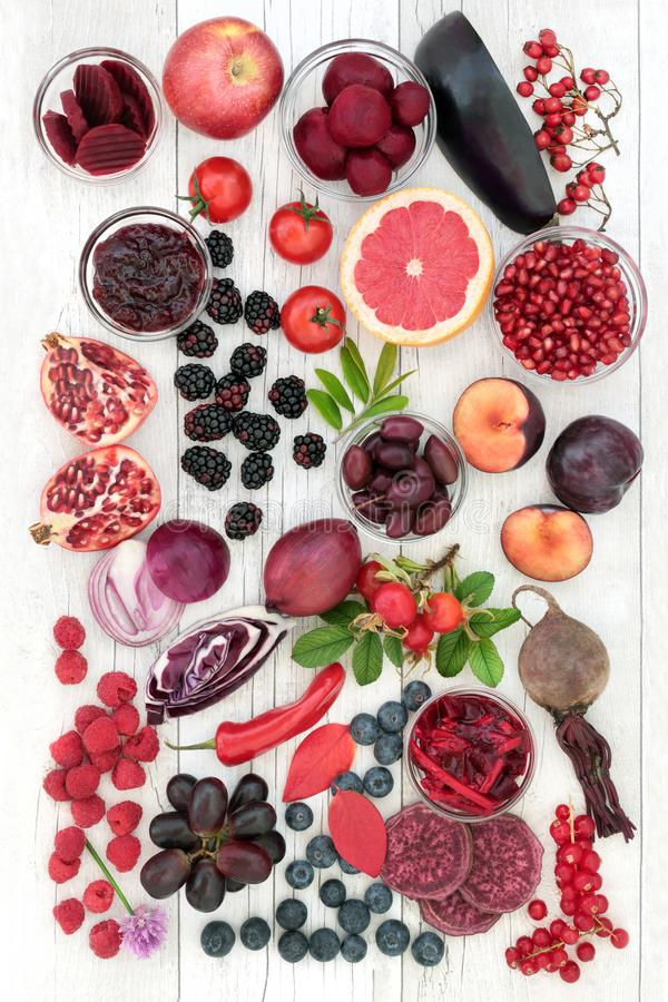 Nourritures biologiques hautes en anthocyanines images libres de droits