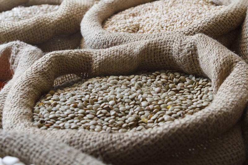 Nourritures de grain photographie stock libre de droits