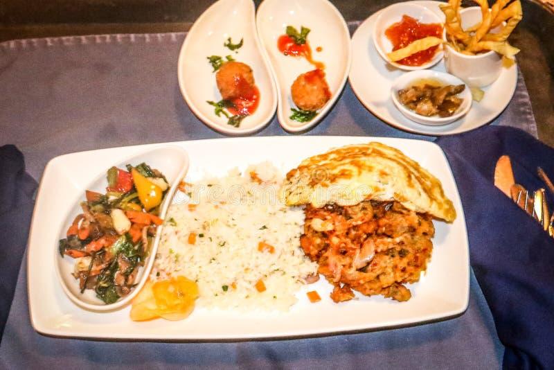 Nourritures de restaurant photographie stock libre de droits