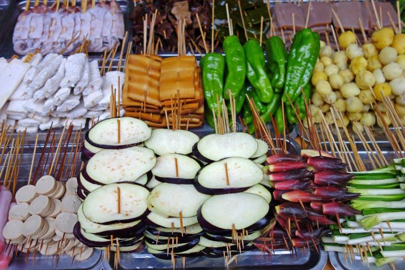 Nourritures grillées tout entier de rue photo libre de droits