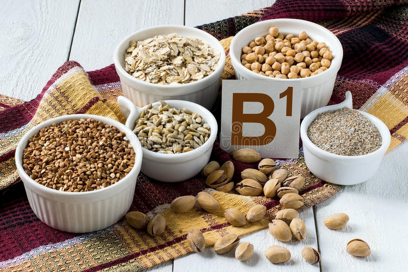 Nourritures riches en vitamine B1 photo stock
