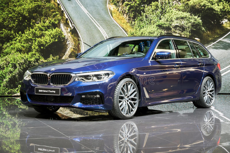 Nouveau BMW 2017 5 séries de tourisme image stock