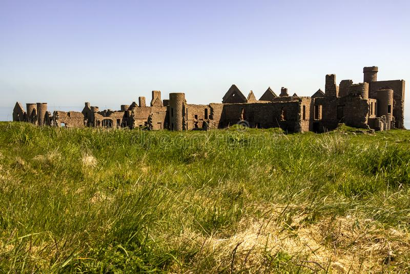 Nouveau château de Slains, Aberdeenshire, Ecosse photographie stock libre de droits