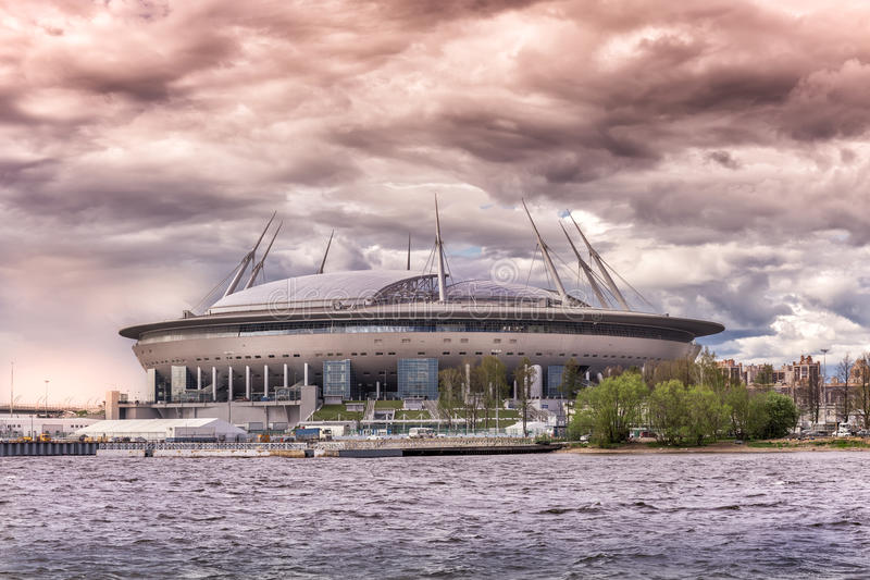 Nouveau ` d'arène de St Petersburg de ` du football sur l'île de Krestovsky à St Petersburg pour la coupe du monde 2018 image libre de droits