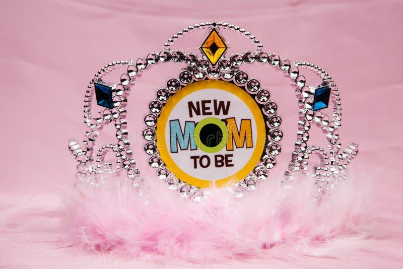 Download Nouveau diadème de maman photo stock. Image du progéniture - 77155088