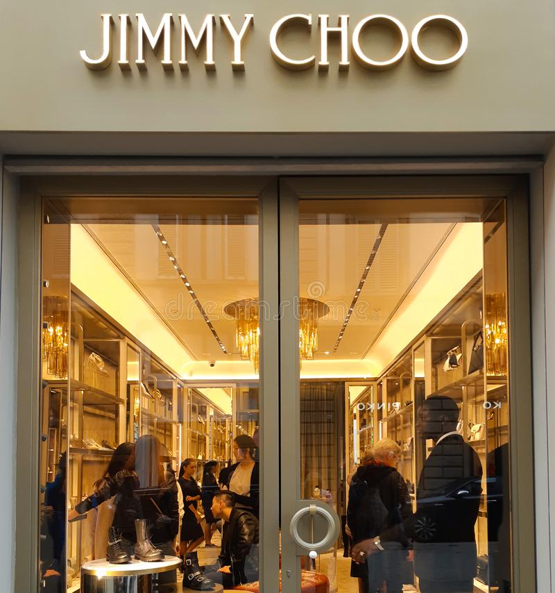 Nouveau jimmy Choo de magasin à Florence image libre de droits