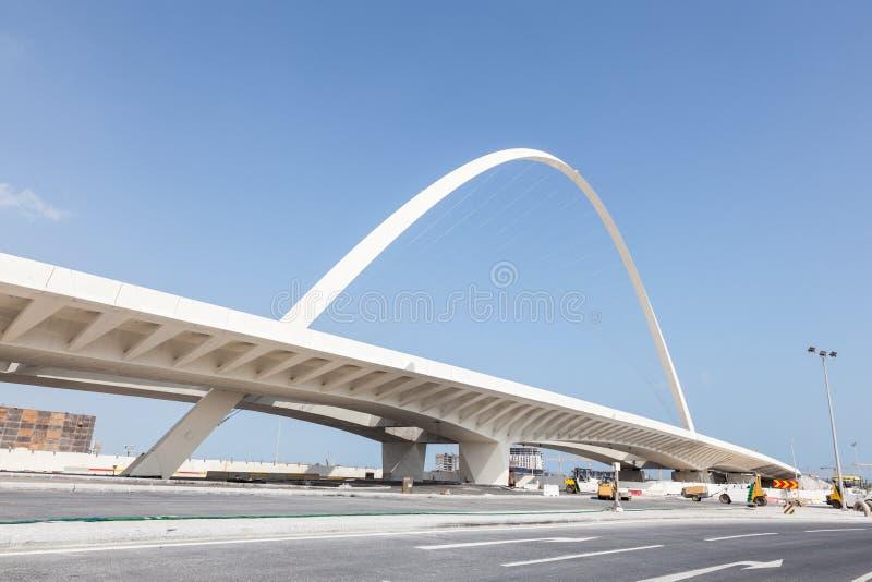 Nouveau pont contemporain dans Lusail, Qatar photo libre de droits