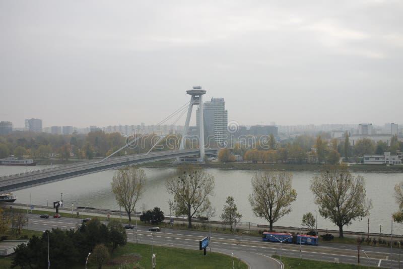 Nouveau pont de ch?teau - Bratislava, Slovaquie photos libres de droits