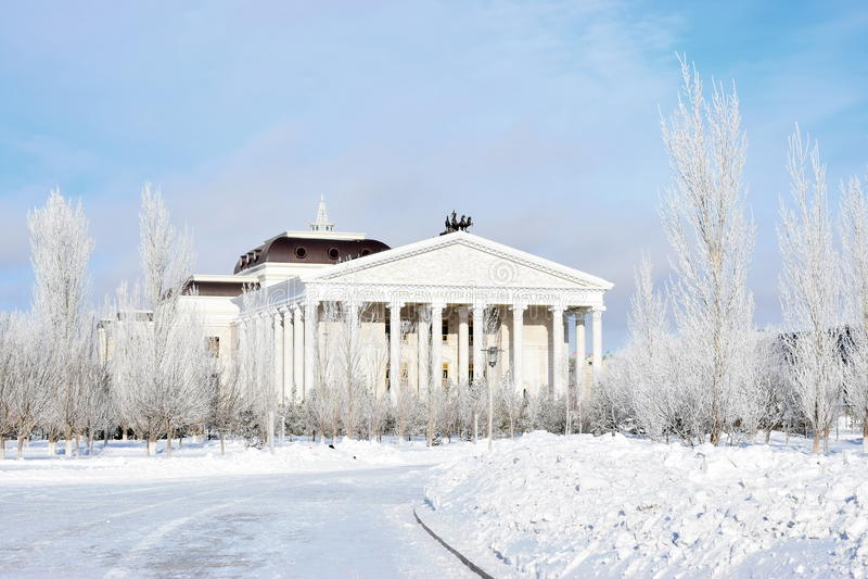 Nouveau théâtre d'opéra dans Astana_ Kazakhstan photos stock