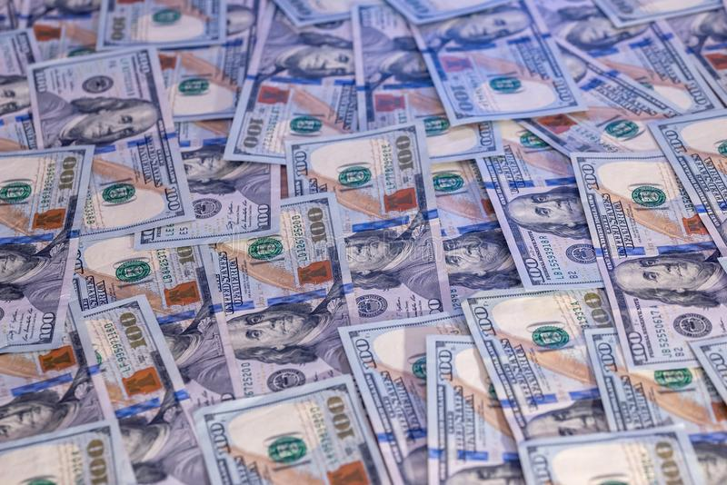 Nouveaux 100 billets d'un dollar Fin vers le haut photographie stock libre de droits