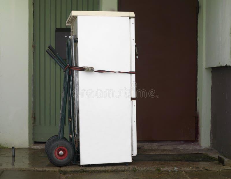 Nouvel achat de réfrigérateur image libre de droits