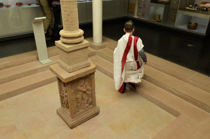 Nouvel enfant romain images stock