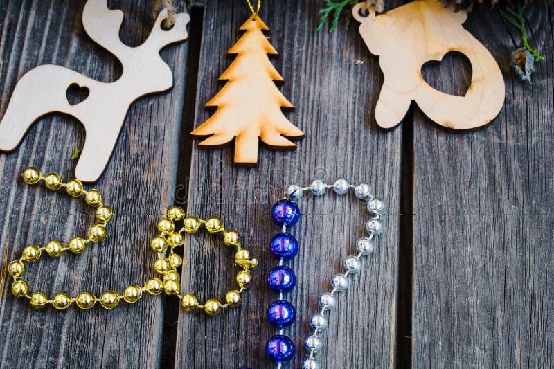nouvelle année 2017, jouets en bois sur le fond photo stock