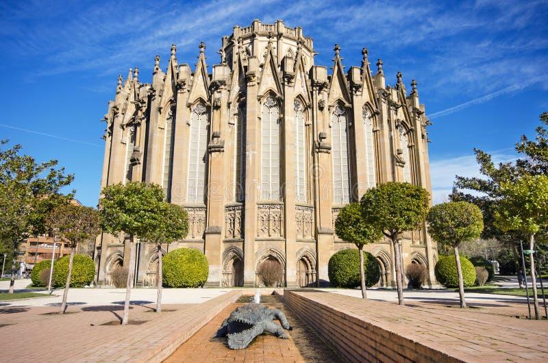 Nouvelle cathédrale, point de repère touristique célèbre en Vitoria, Espagne photos libres de droits
