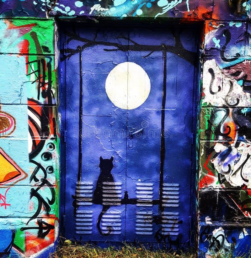 Nouvelle lune de porte secrète bleu-foncé image stock