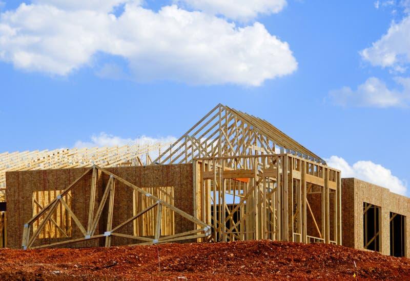 Nouvelle maison en construction images stock