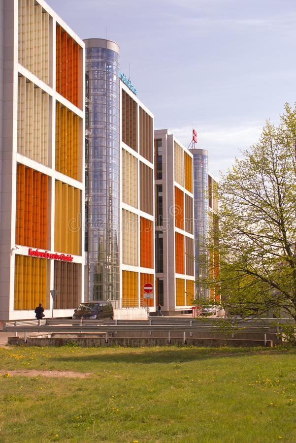Nouvelle maison moderne dans la ville de Riga latvia photo stock