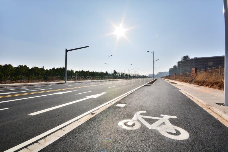 Nouvelle utilisation de route et d'infrastructure photographie stock