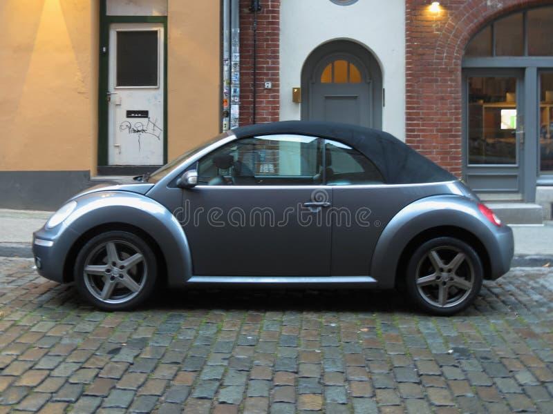Nouvelle voiture grise de scarabée de BMW dans Luebeck photo stock