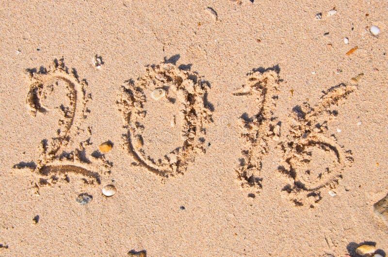 Nouvelles années de concept 2016 ; 2016 sur la texture de fond de sable image libre de droits