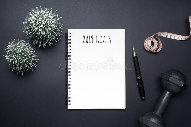 2019 nouvelles années de résolutions folâtrent la composition étendue plate Dum noir images libres de droits