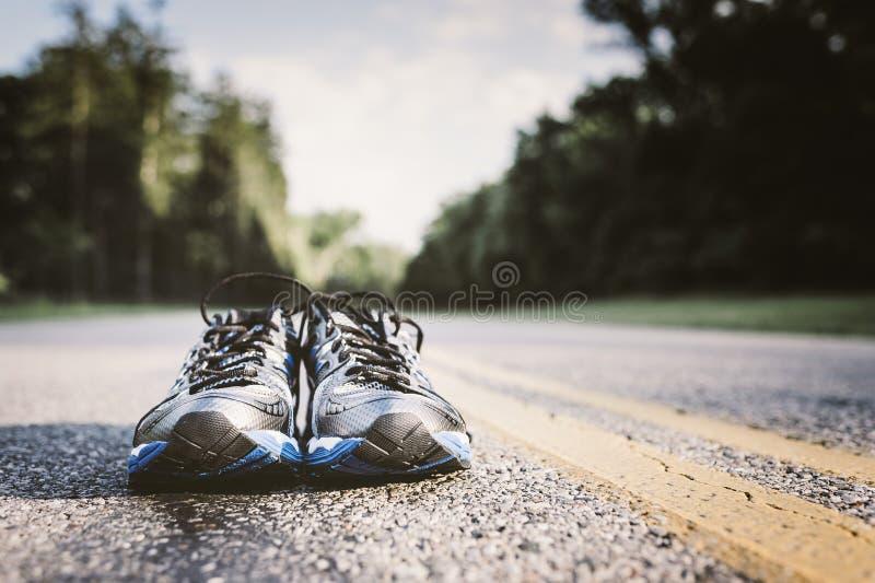 Nouvelles chaussures de course photographie stock