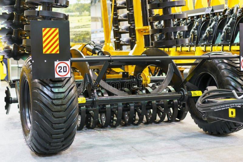 Nouvelles machines agricoles à l'exposition photo libre de droits