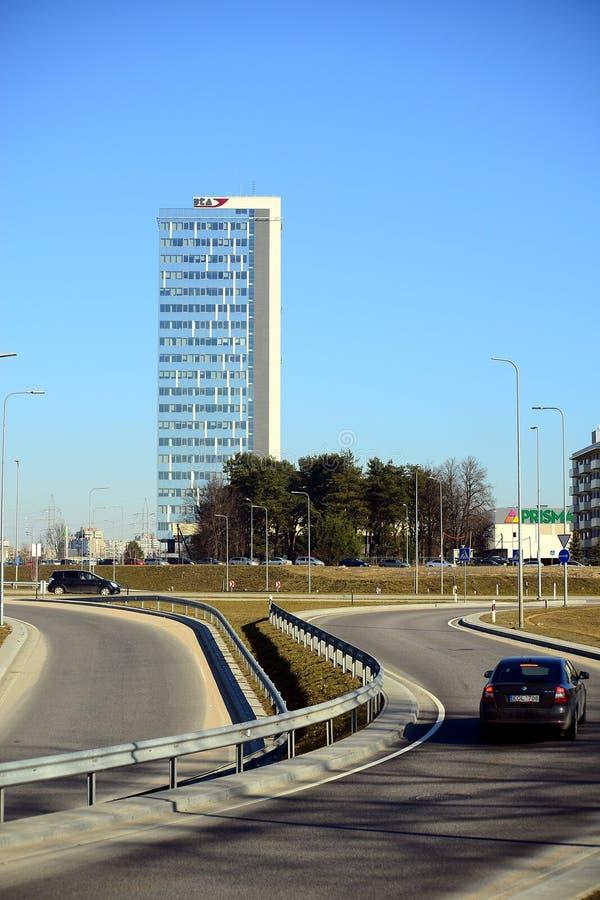 Nouvelles maisons dans le secteur de Justiniskes de ville de Vilnius photos stock