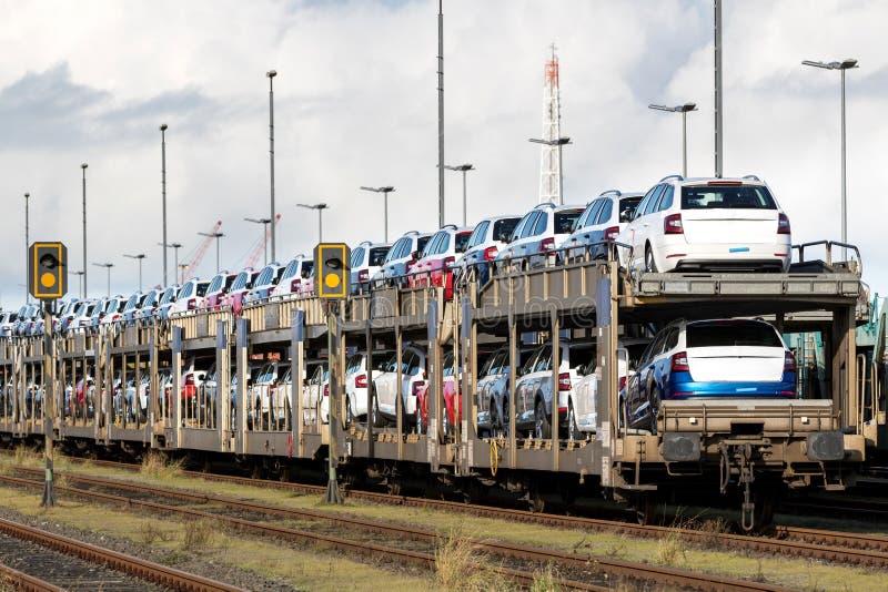 Nouvelles voitures de Skoda pour l'exportation images libres de droits